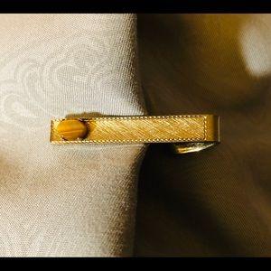 Tie Bar Clip